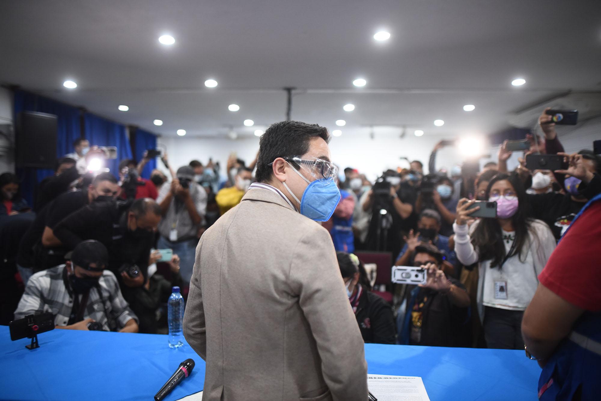 Juan Francisco Sandoval y los 10 motivos de su salida de la FECI y de Guatemala