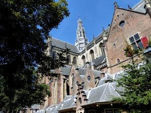 Haarlem, St Bavo vanaf de Oude Groenmarkt