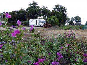Camperplaats Decemberhoeve. IJweg Nieuw Vennep