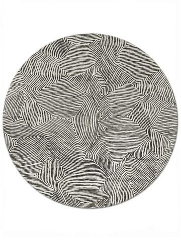 Maze in Black on Cream, 8 ft. x 8 ft.