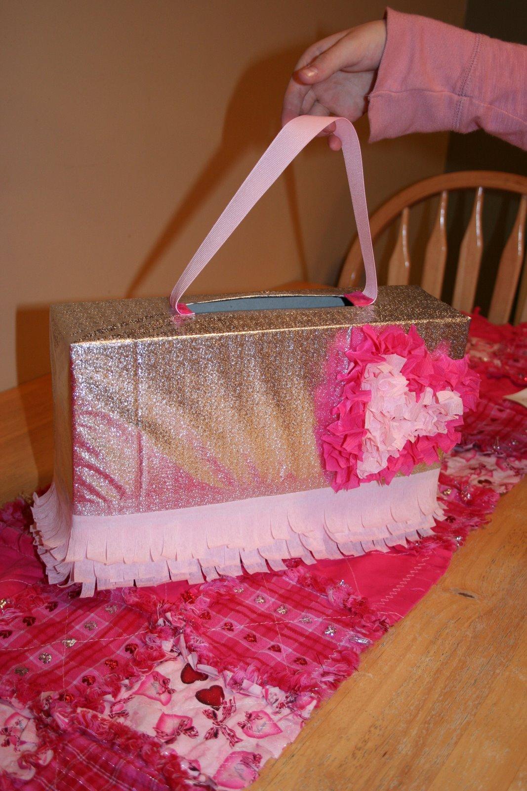 25 Creative Valentine Boxes  NoBiggie