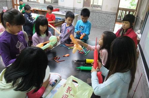 《自然實驗課》DIY貴賓狗造型氣球 @ 夢想.勇氣.幸福初衷 :: 痞客邦