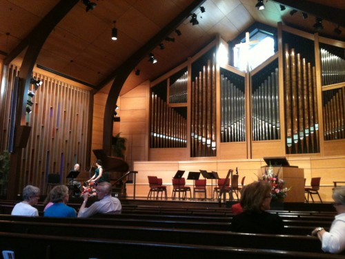 lake grove presbyterian church sanctuary