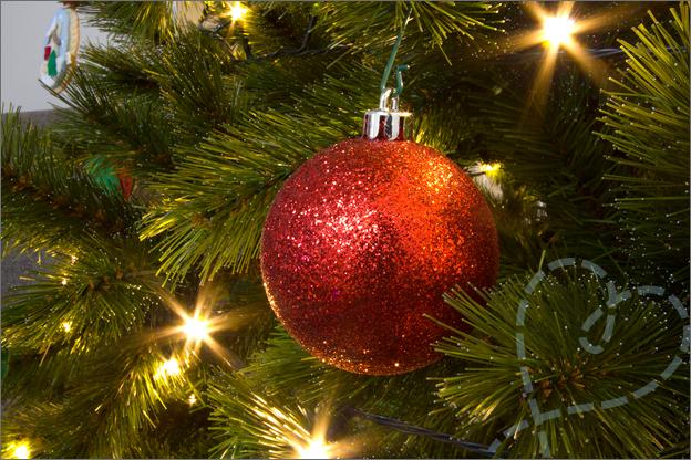 Kerstboom_versiert_4_glitter_kerstbal