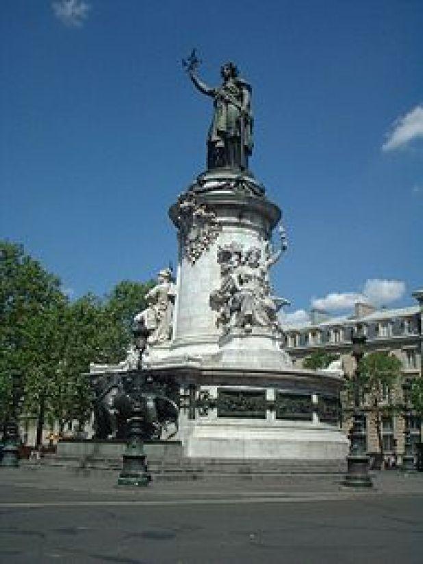 230px-statue_place_republique_paris