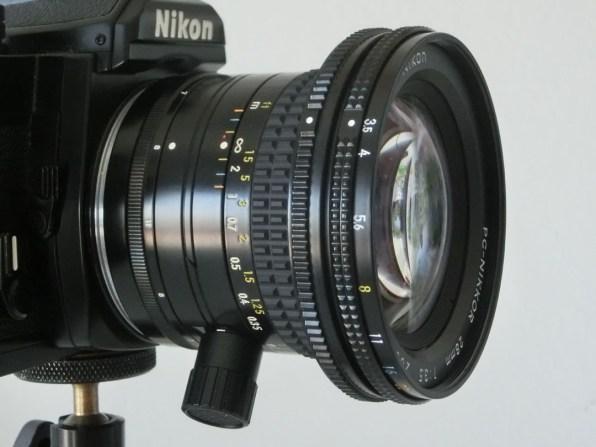 07-pc-nikkor-28mm-preselezione-diaframma-a-zero-low