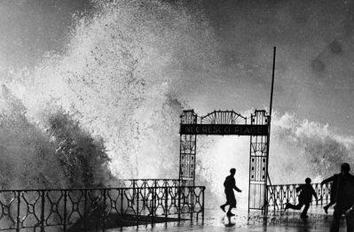 © Jacques Henri Lartigue. Tempete à Nice. 1934