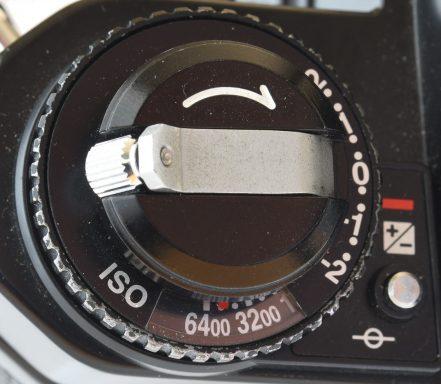 20-fm3a-articolo-ghiera-esposimetro-6400-iso-1080-1080x941