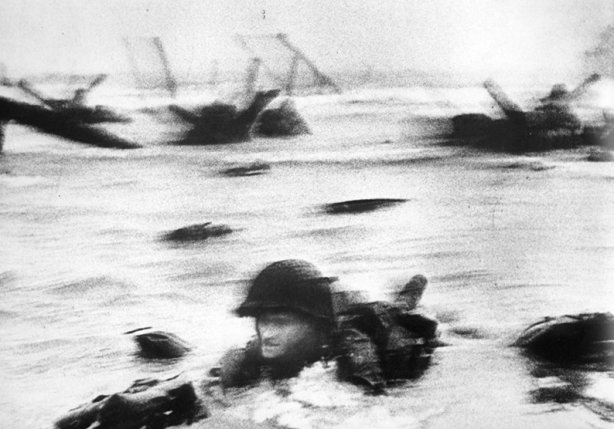 Robert Capa, Omaha Beach, D-Day, 1944