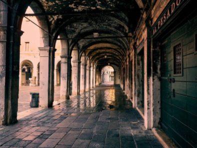 JohnMcD_Venice_DSC6861-800x600