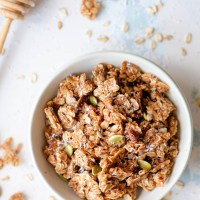 Healthy Super Crunchy Granola
