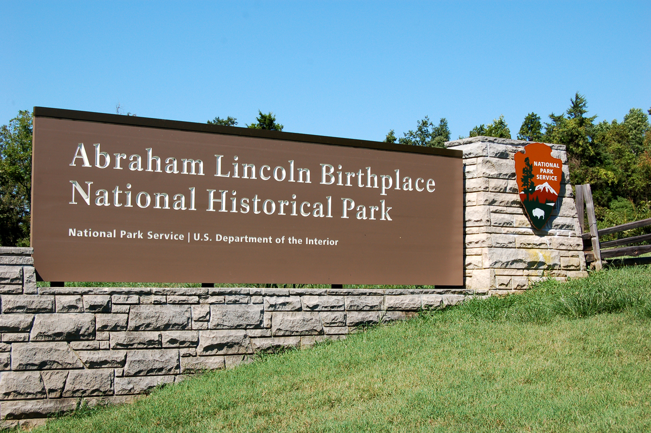 7_lincoln_sign_1