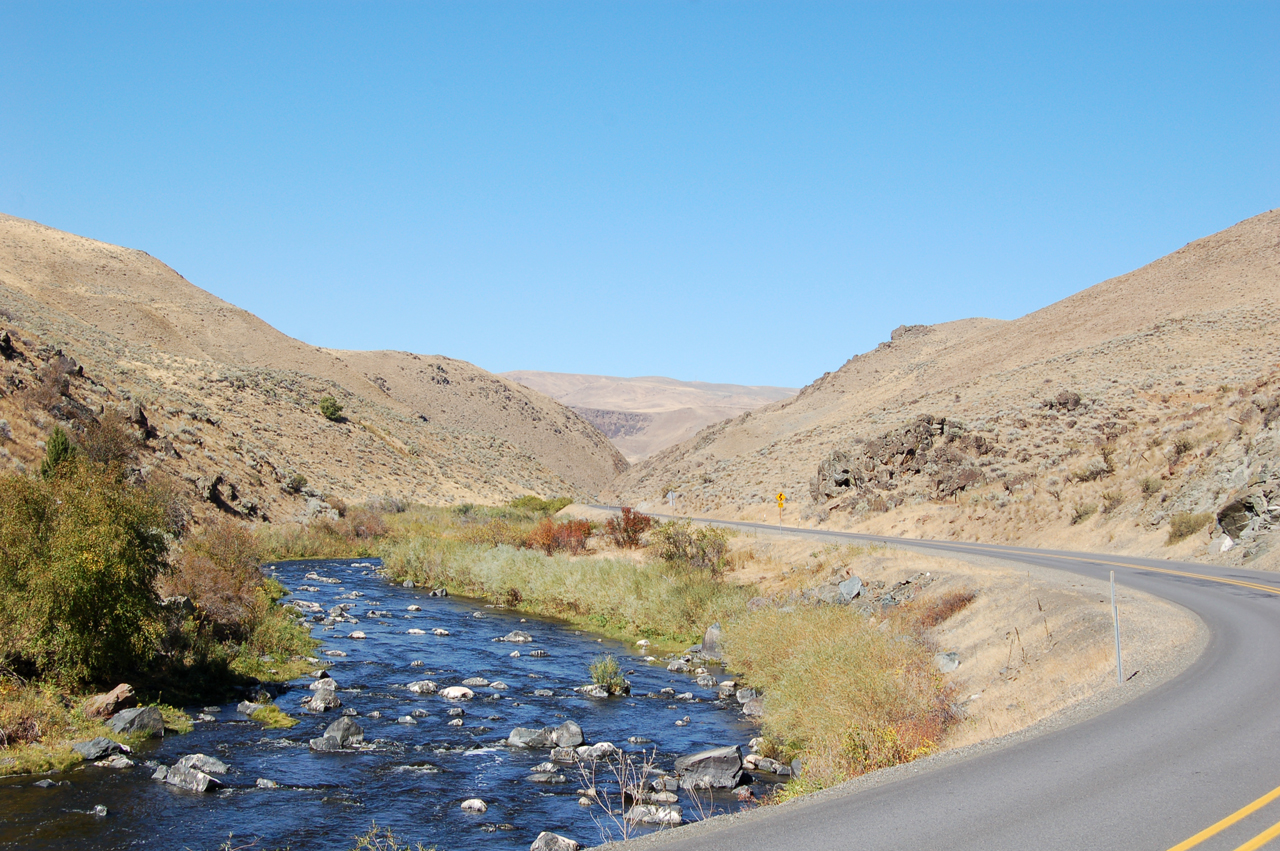Powder River, running alongside Highway 86