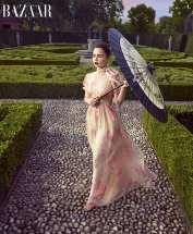 Emilia-Clarke-US-Harpers-Bazaar-December-2017-05