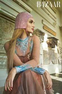 Rosie-Huntington-Whiteley-Harpers-Bazaar-Arabia-April-201800006