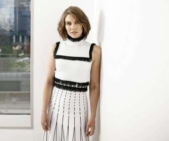 Lauren-Cohan-Association-Press-Portrait03