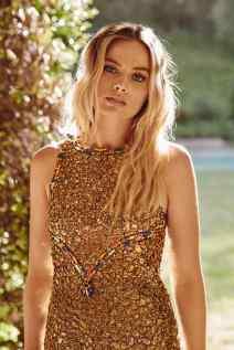 Margot-Robbie-Caitlin-02