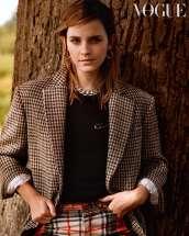 Emma-Watson-in-Vogue-UK-Magazine-December-03