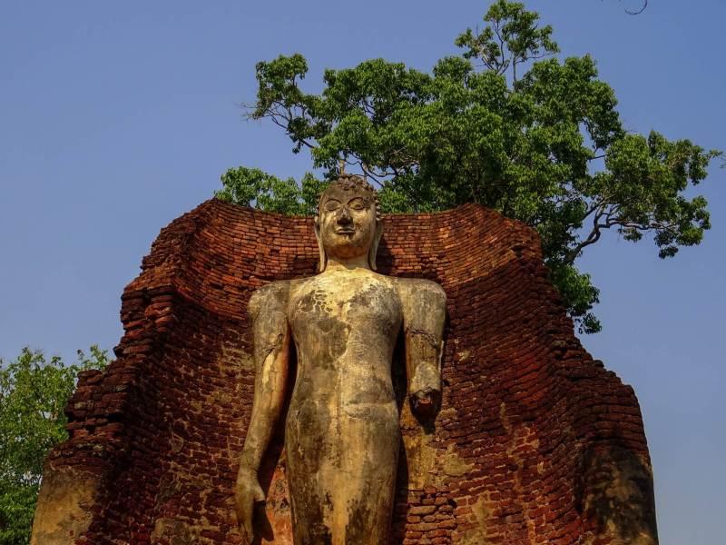 Giant Buddha Kamphaeng Phet Historical Park