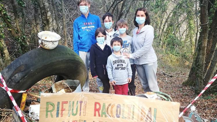 Troppi rifiuti da smaltire I ragazzi ecologisti chiedono aiuto al sindaco