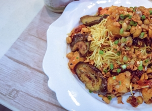 Recipe: Kung Pao Shrimp with Garlic Egg Noodle