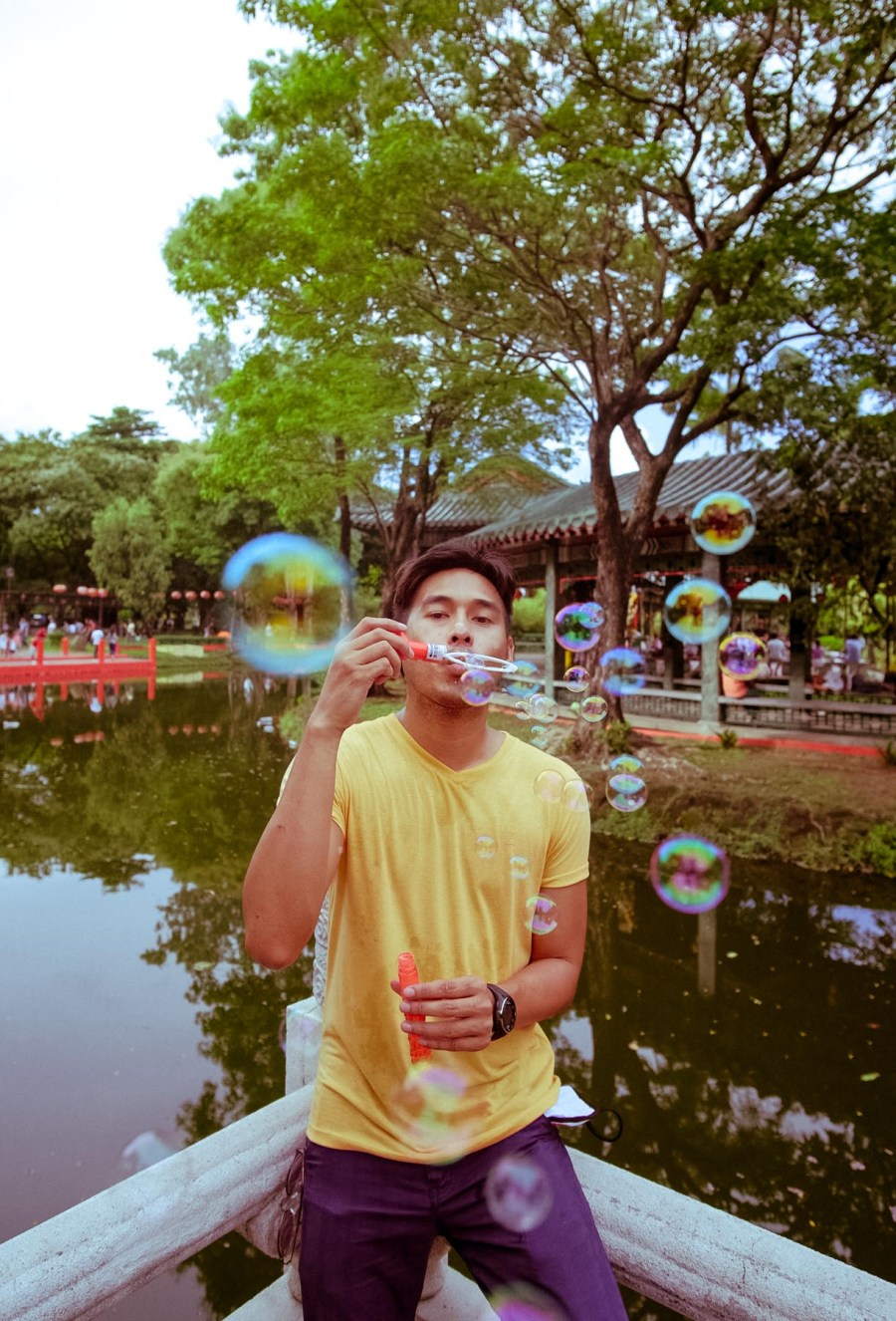 bubbles at Luneta park (1 of 1)