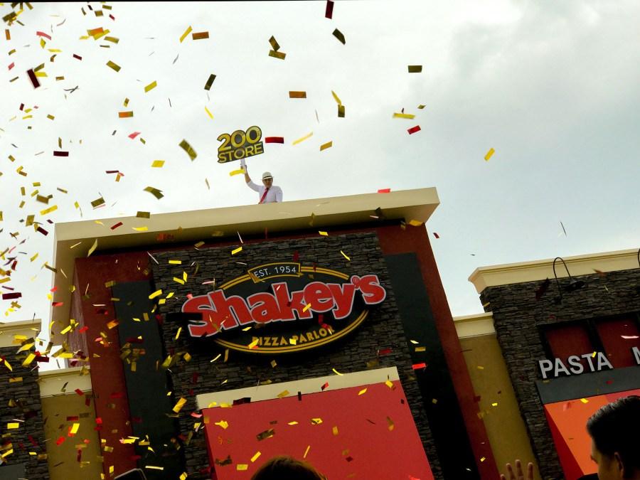 shakeys pizza parlor paseo de magallanes (4 of 21)