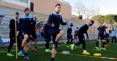Lazio: a Formello Radu torna in gruppo, ma si attende ancora il ritorno di alcuni calciatori dall'estero