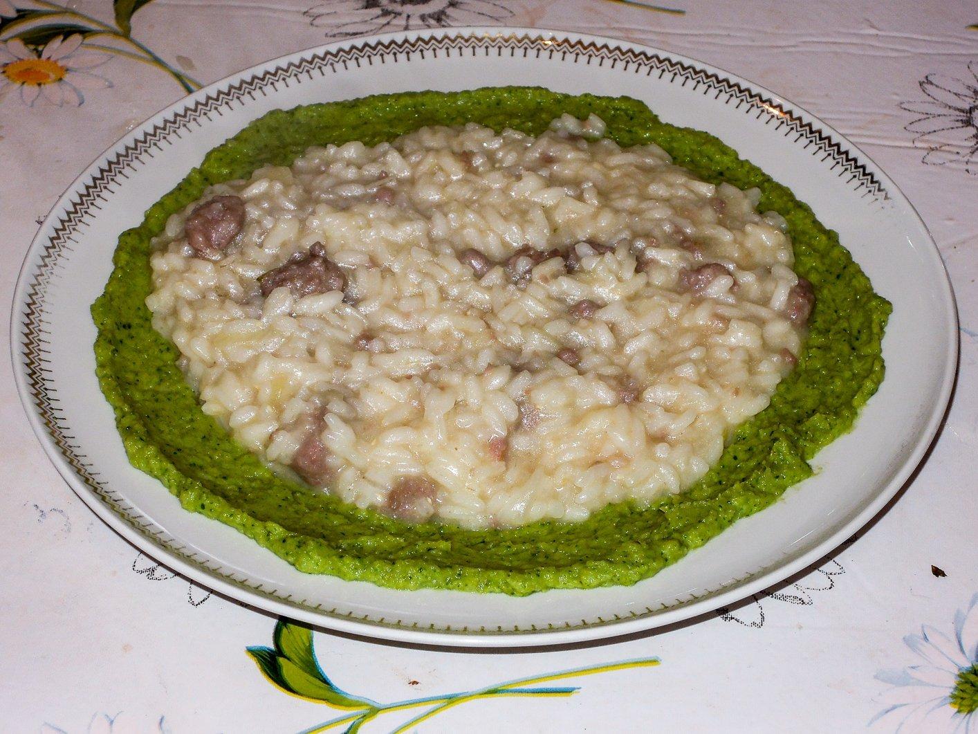 Risotto con salsiccia e crema di broccolo
