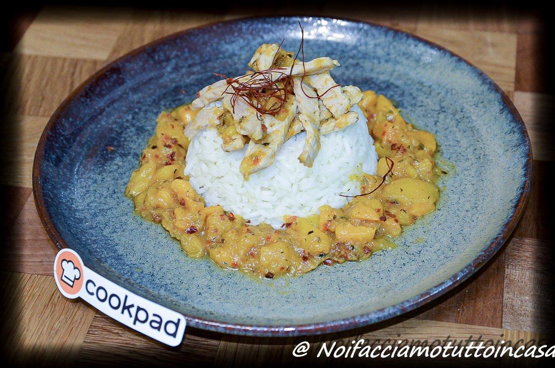 Sfilaccetti di lonza con mango e riso apollo