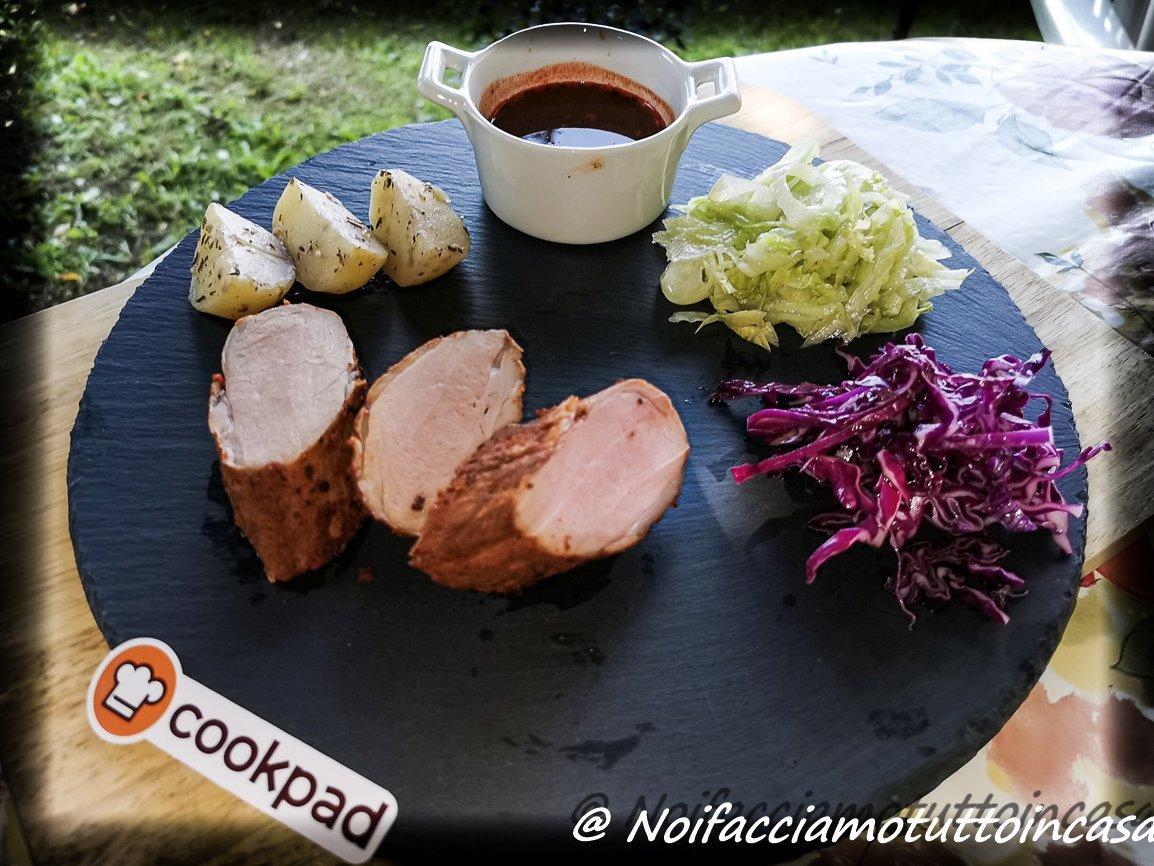 Filetto di Maiale Sous Vide con Patate e Bis di Insalate