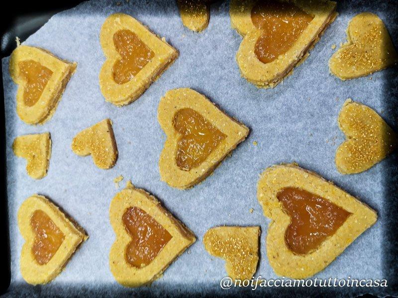 Biscotti senza glutine con marmellata