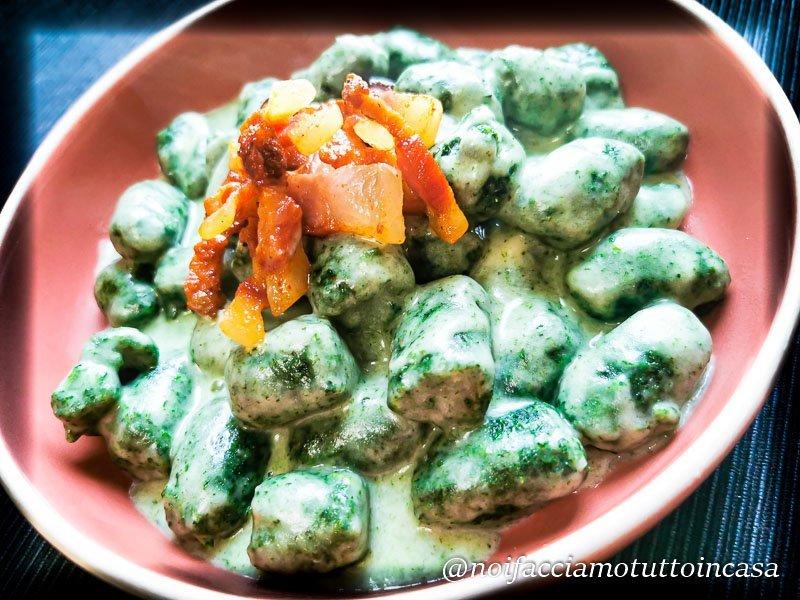 Gnocchi di spinaci alla fontina