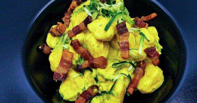 Gnocchi di Patate con Curcuma, Zucchine e Pancetta