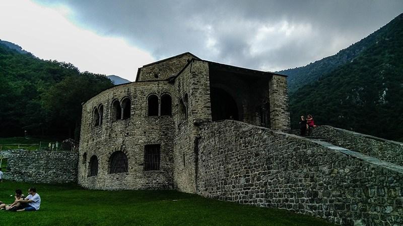 Itinerario da Civate alla basilica di San Pietro al monte