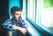 studente triste scuola
