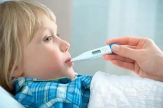 bambini e febbre: cosa fare in attesa del pediatra