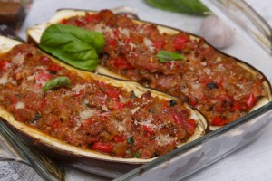 melanzane-ripiene-carne-©-Acter2x2-_-Dreamstime.com---Stuffed-Eggplant-Photo