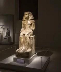 museo-egizio-torino-statua