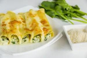 cannelloni-ricotta-spinaci_Alexpro9500-_-Dreamstime.com