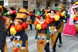 Carnevale-Putignano-sfilata