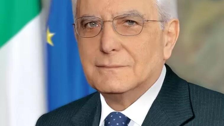 Il ringraziamento del presidente della Repubblica nel bel messaggio ai cittadini Sergio Mattarella ha compiuto ottanta anni. Ezio Greggio sintetizza il pensiero di molti: bene, bravo, bis