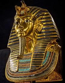 Pierre turquoise sur masque funéraire de Toutankamon