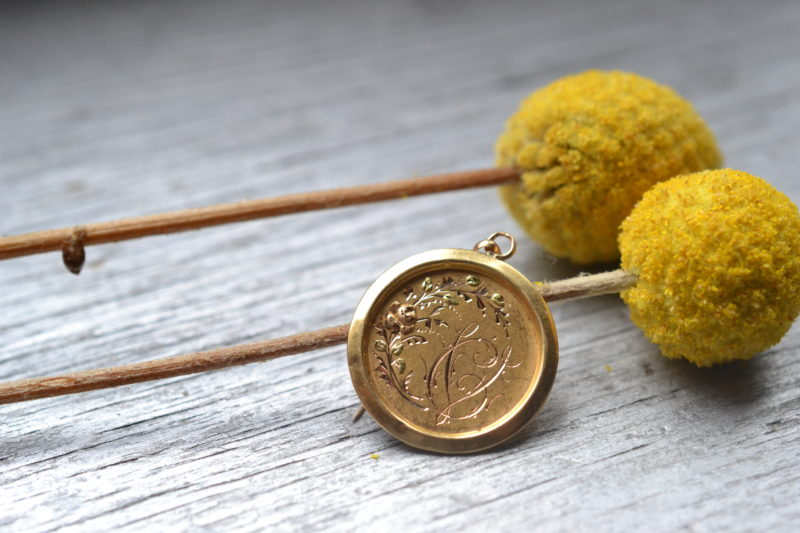 médaille gravée en or 18 carats