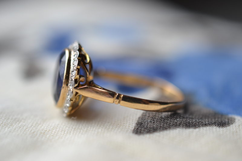 bague ancienne saphir diamants vintage or 18 carats