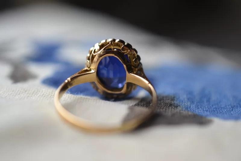bague bleue marguerite ancienne vintage or 18 carats