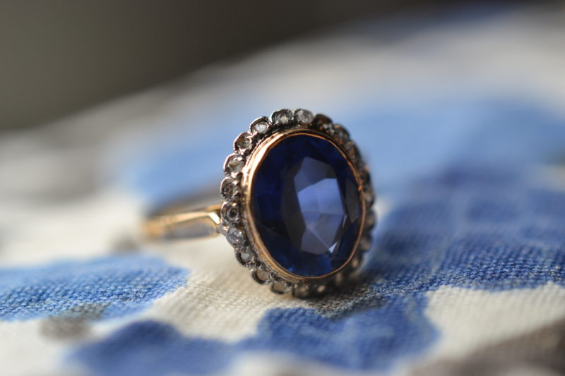 Bague Marguerite Pierre Bleue Vintage Or 18 Carats