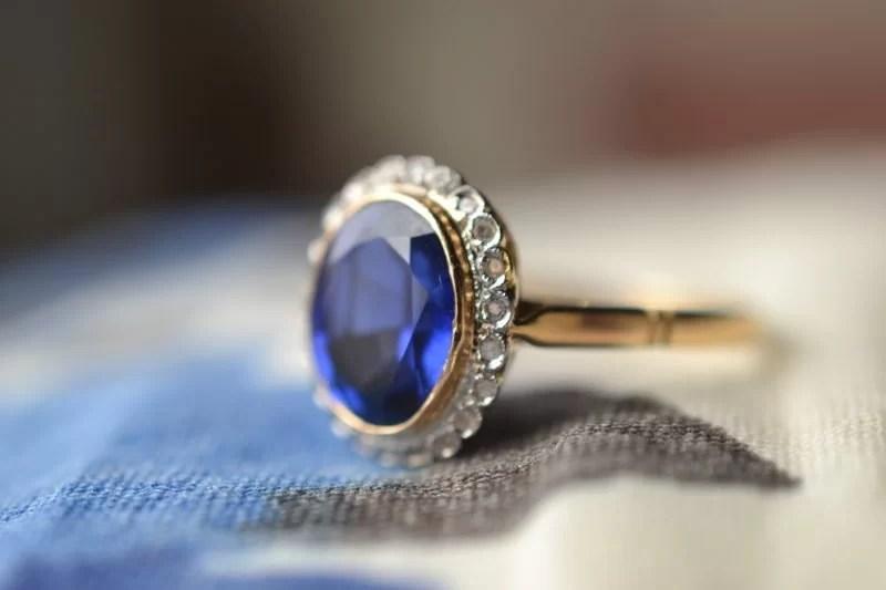 bague saphir diamants marguerite ancienne 18 carats