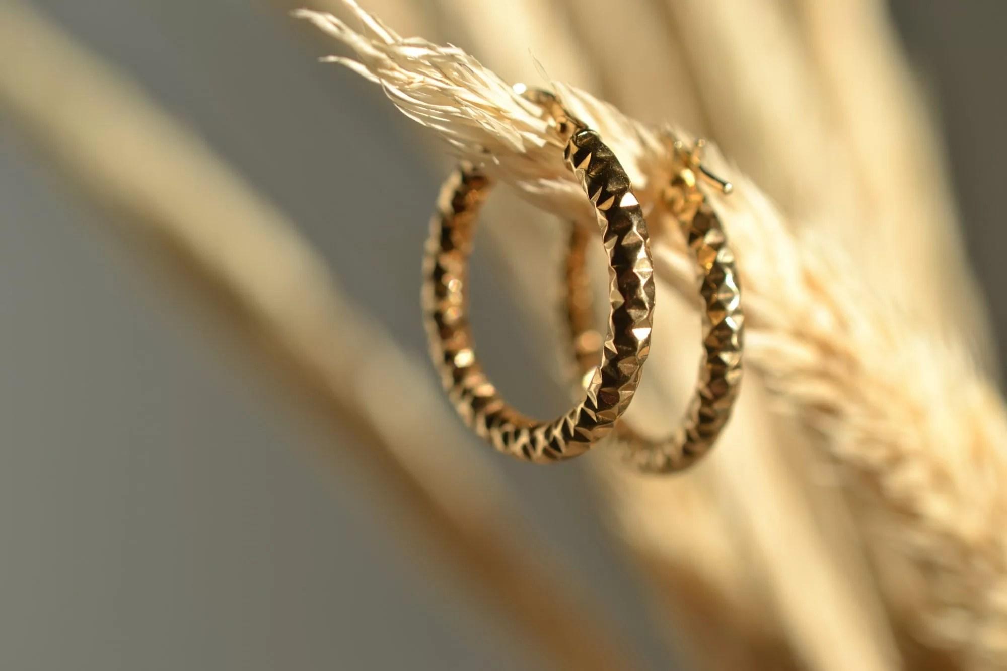 boucles d'oreilles en or massif vintage