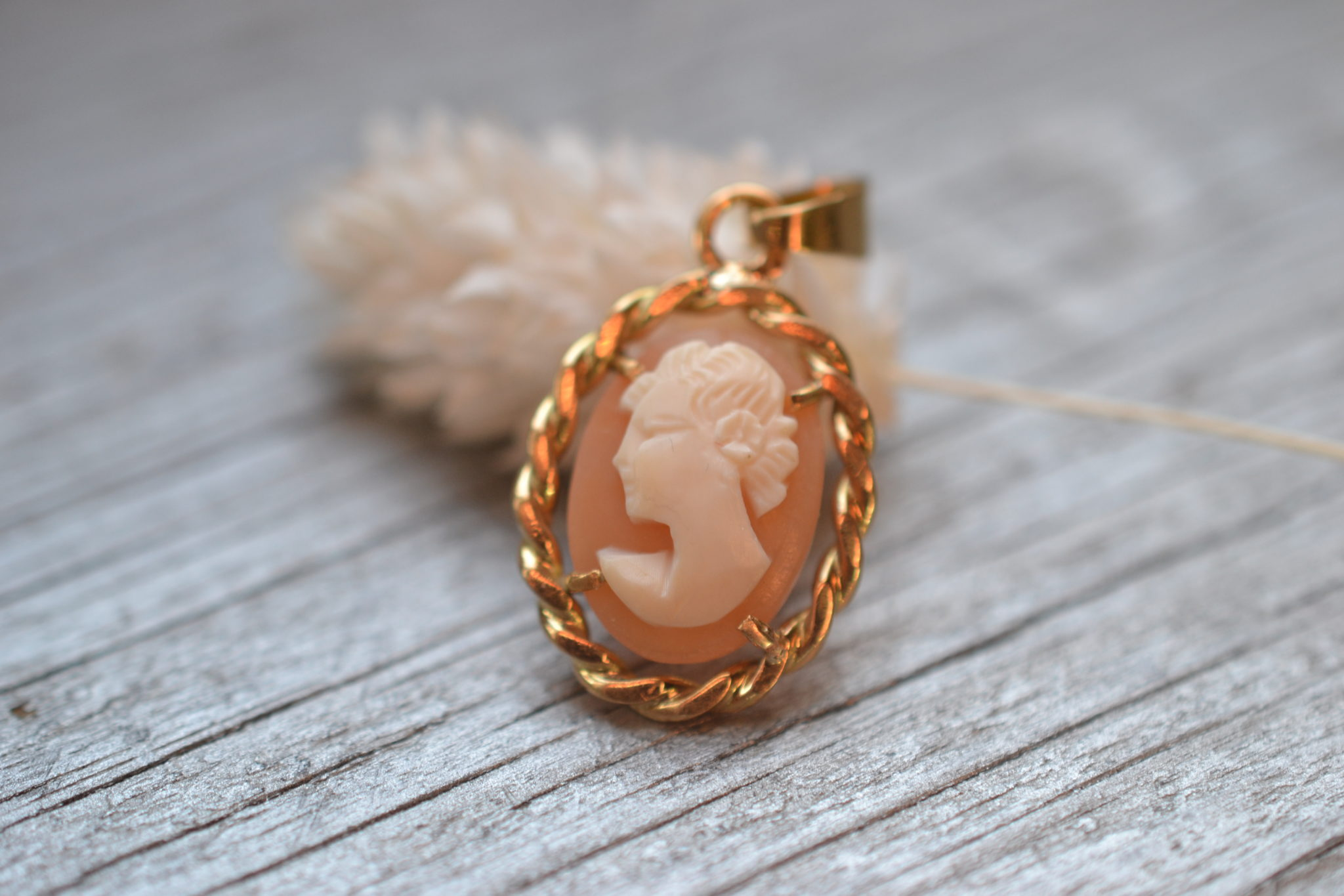 pendentif ancien camée en or jaune 18 carats massif - bijoux anciens et occasion